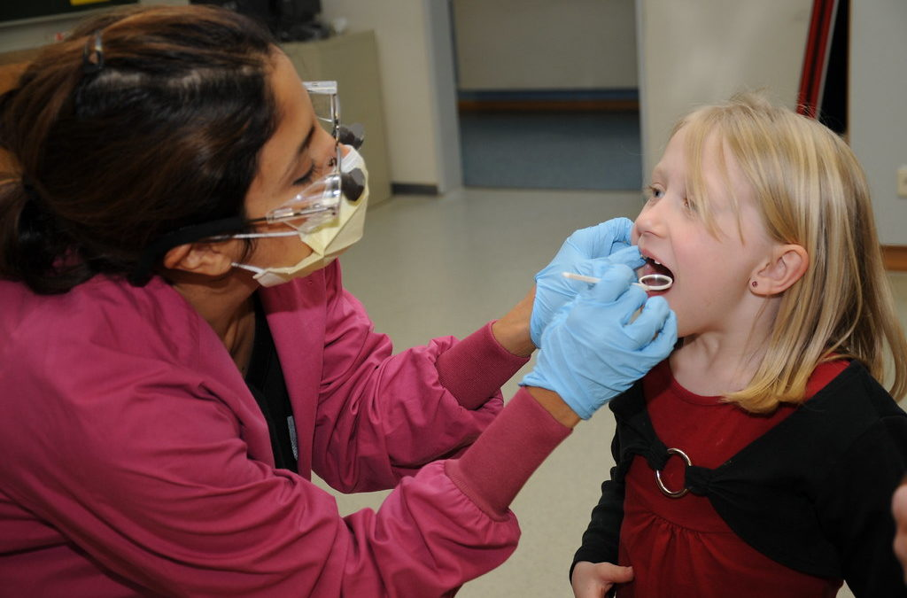 How to care for children's dental health
